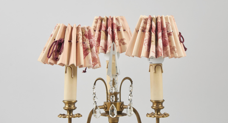 Bordslampa, 3 armad, mässing marmor. Höjd: 42. Metropol