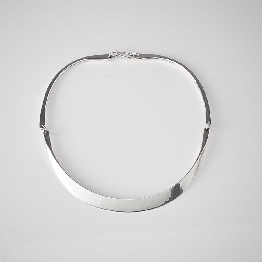 Halsband 292d2540e23af