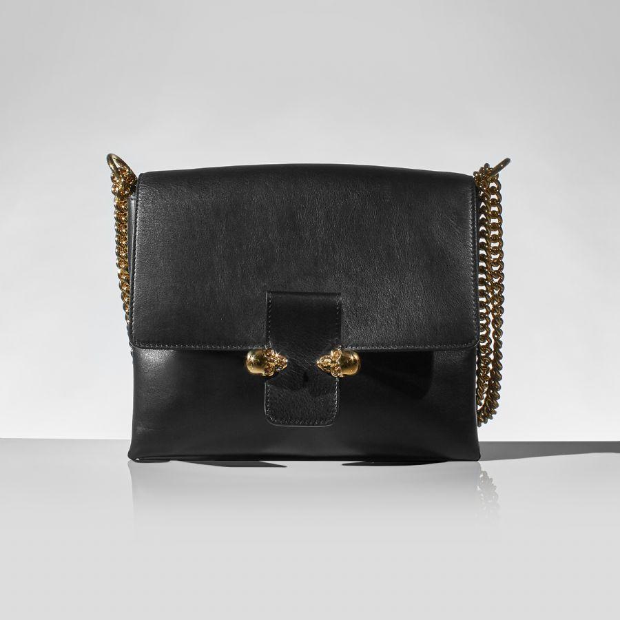svart handväska skinn