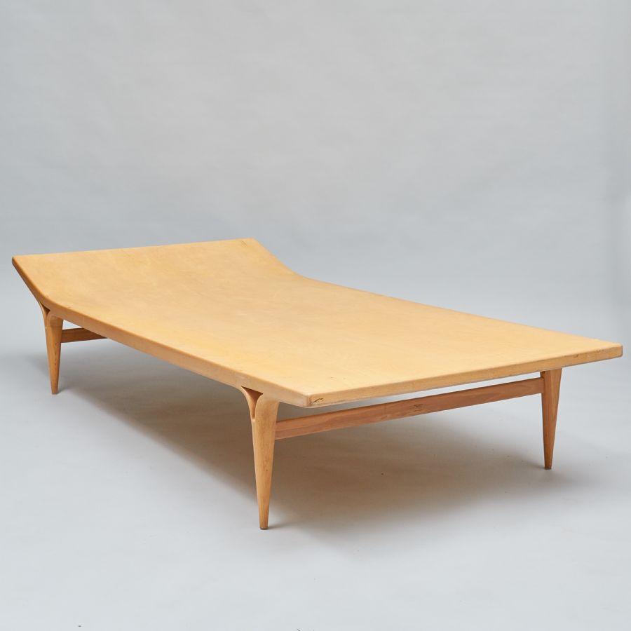 "Dagbädd,""Berlin"", design Bruno Mathsson (1907 1988), längd 195 cm, djup 95 cm, höjd 38 cm"