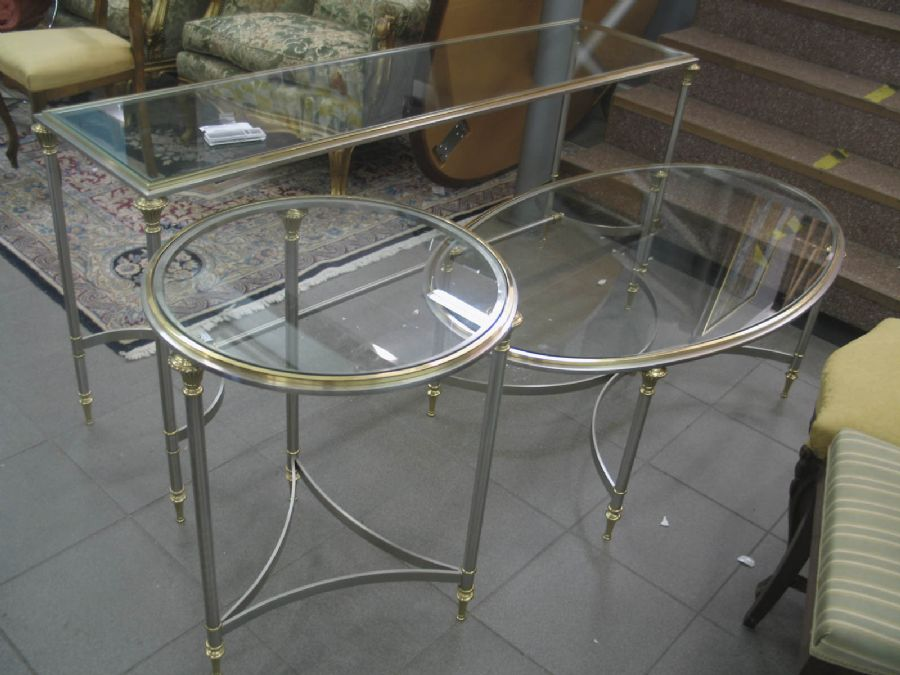 soffbord lampbord sideboard glas metall 460 5460 metropol auktioner. Black Bedroom Furniture Sets. Home Design Ideas