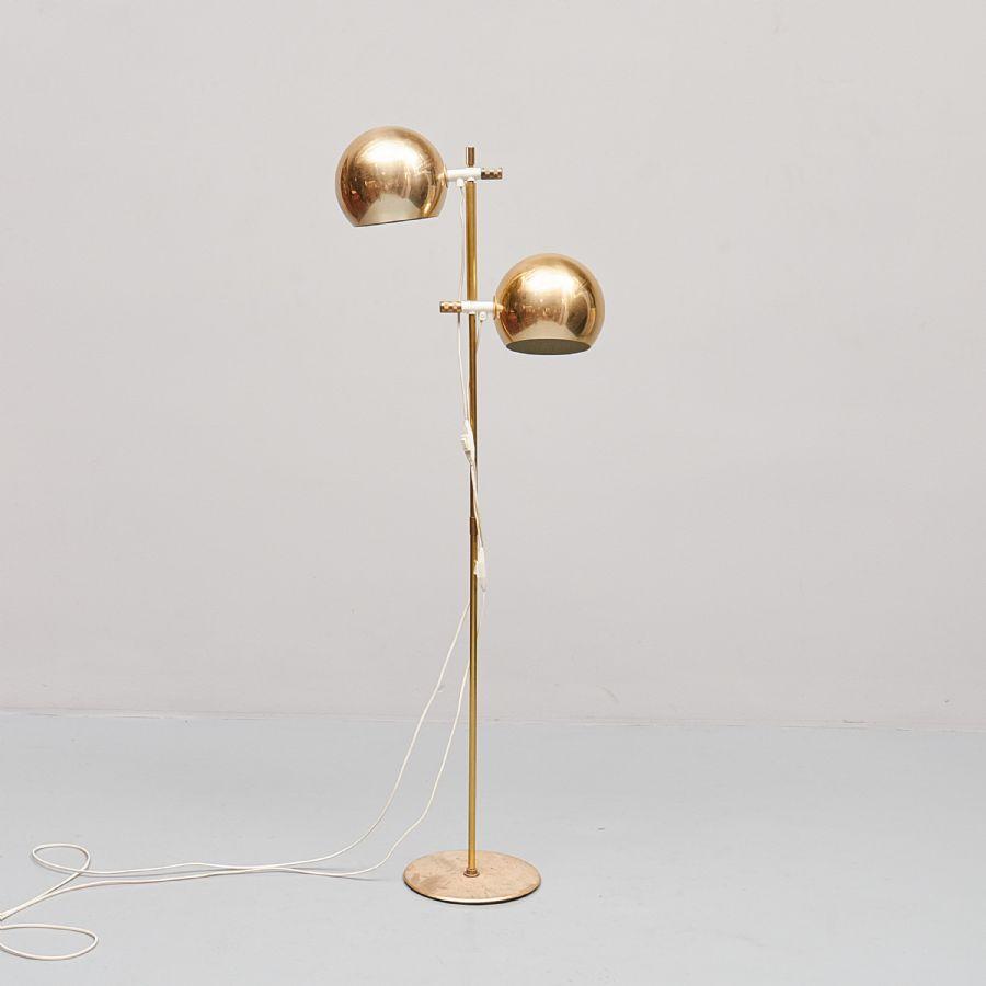 Hubsch Golvlampa Klot - Golvlampa, Hemi klot, mässing Metropol Auktioner i Stockholm och på nätauktion med konst och
