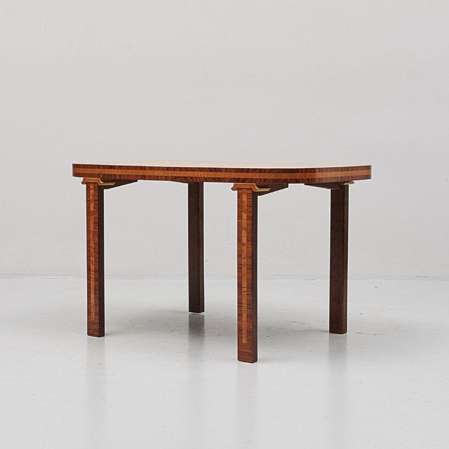 Soffbord, 20 Tal, Längd 90 Cm, Djup 55 Cm, Höjd 55 Cm Metropol Auktioner I Stockholm Och
