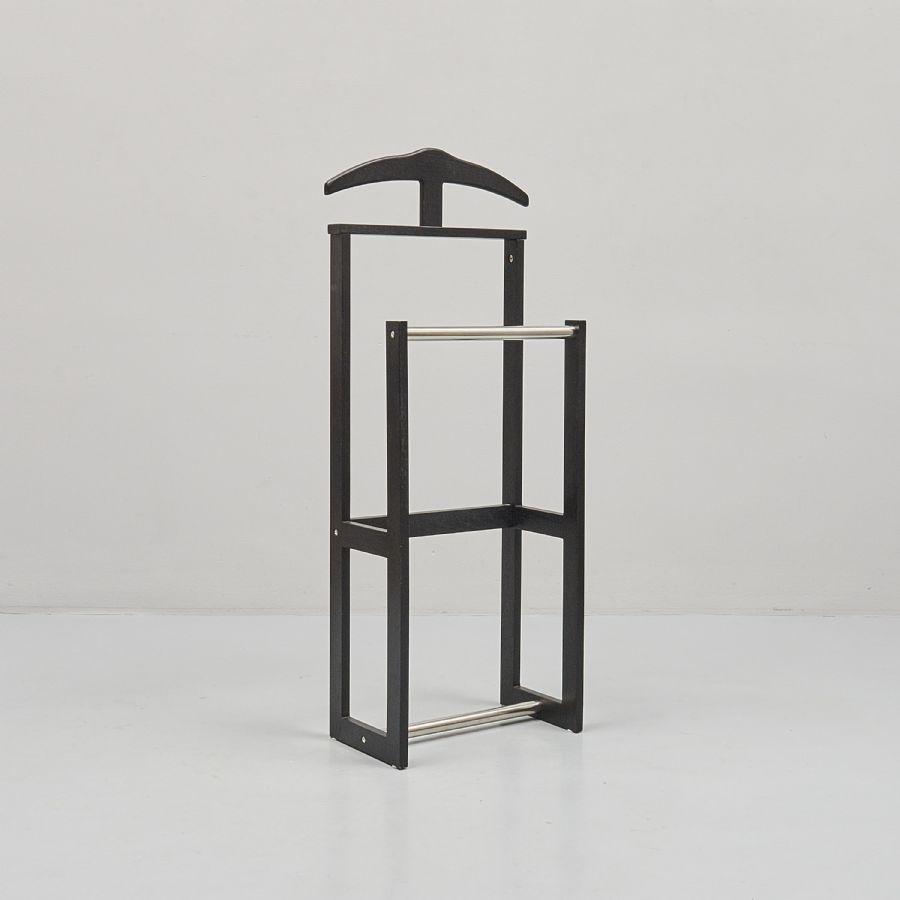 Herrbetjänt, längd (a) Metropol Auktioner i Stockholm och på nätauktion med konst och