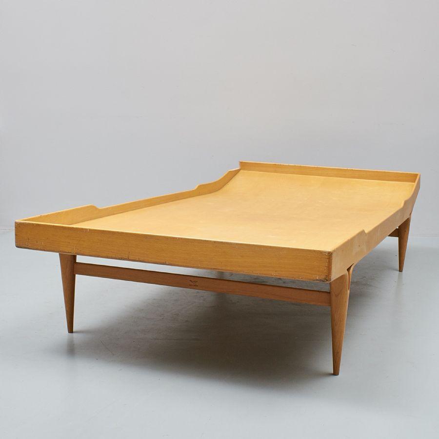"Dagbädd, design Bruno Mathsson (1907 1988), Sverige""Berlin"", längd 200 cm, djup 105 cm"