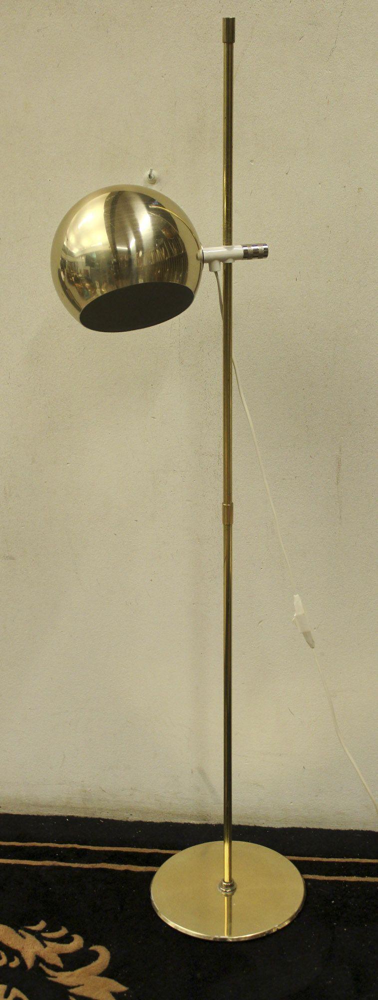 Golvlampa, Mässing, klot 796 5461 Metropol Auktioner