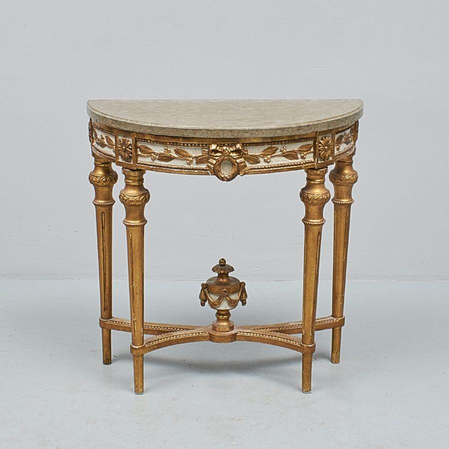 Konsolbord, Gustavianskt med marmorskiva, längd: 74 cm, djup: 37 cm, höjd: 75 cm