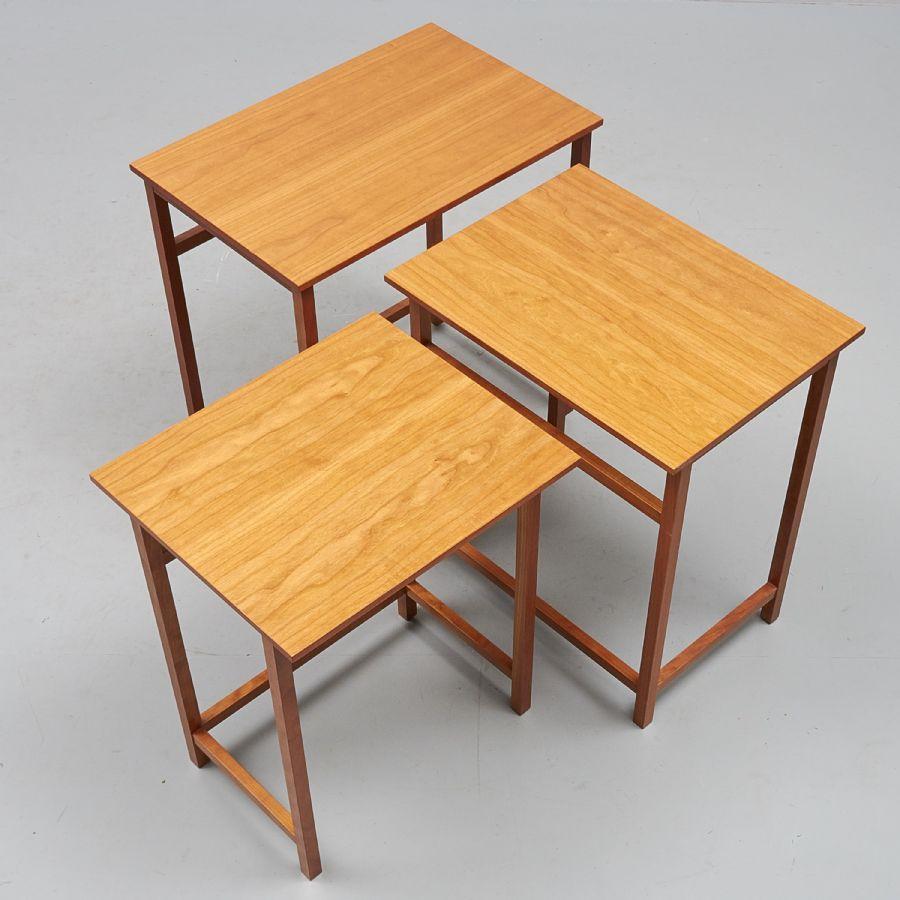 Satsbord, design: Josef Frank, Firma Svenskt Tenn, 3 delar