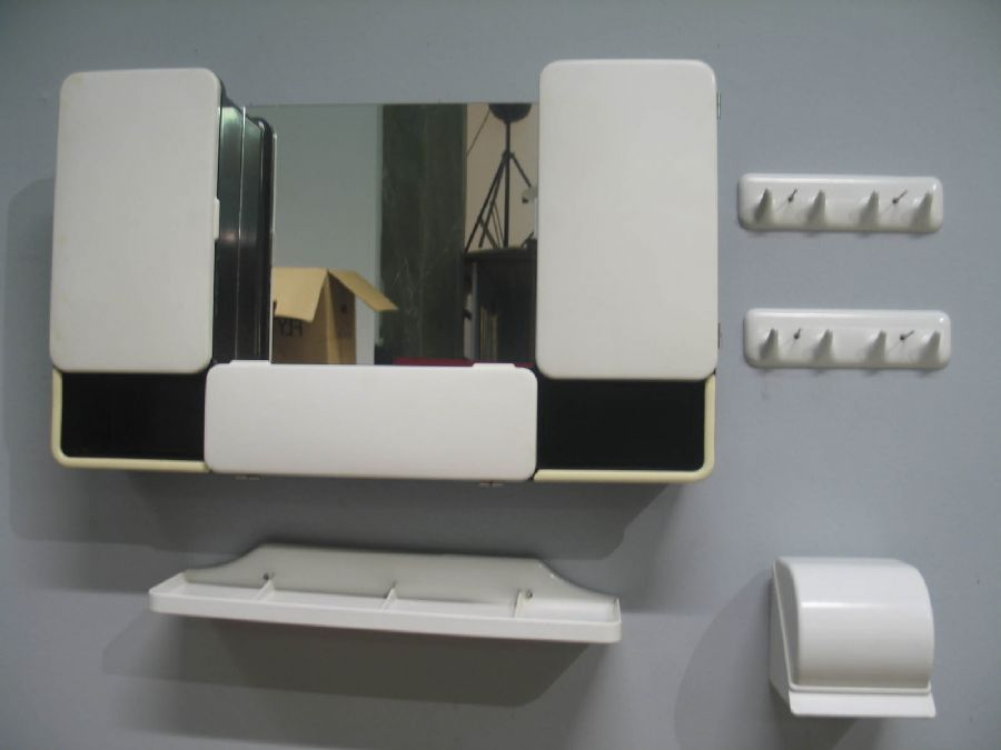 Kanon Plast för badrum, 5 delar plast för badrum CM Torino Italien 1960 PE-91